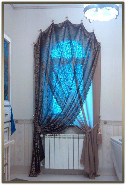 шторы для нестандартных окон в ванную